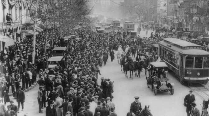 Vidéo de la conférence d'Allison Lange et Claire Delahaye, « Suffragists in the City »